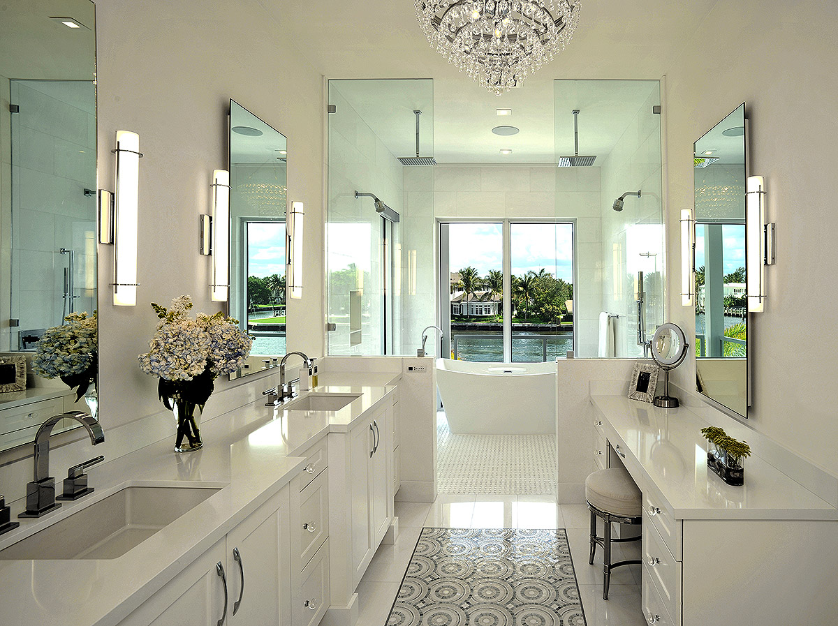 Luxury bath with spa appeal