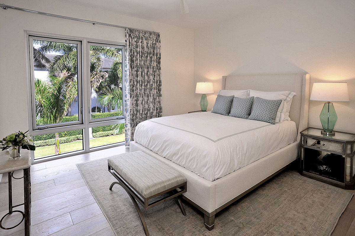 classic style guest suite with queen bed