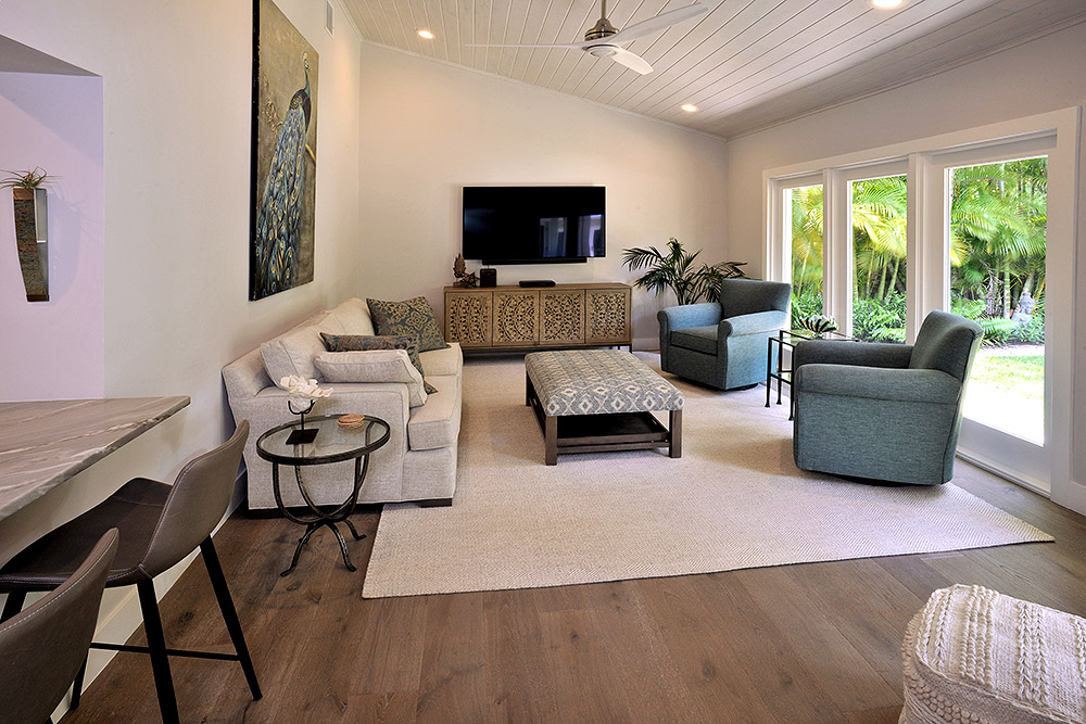 Transitional style comfort--with tropical garden view